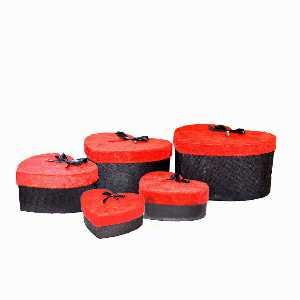 باکس هدیه مخمل قرمز مشکی طرح قلب 5 تیکه،خرید آنلاین،فروشگاه اینترنتی آف تپ